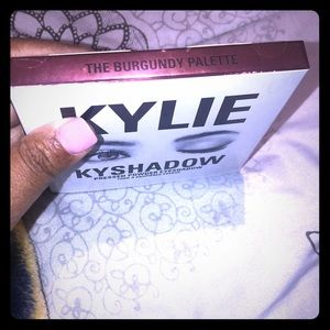 Kylie Kyshadow The Burgundy Palette